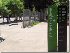 797px-Entrada_al_Parque_rivadavia
